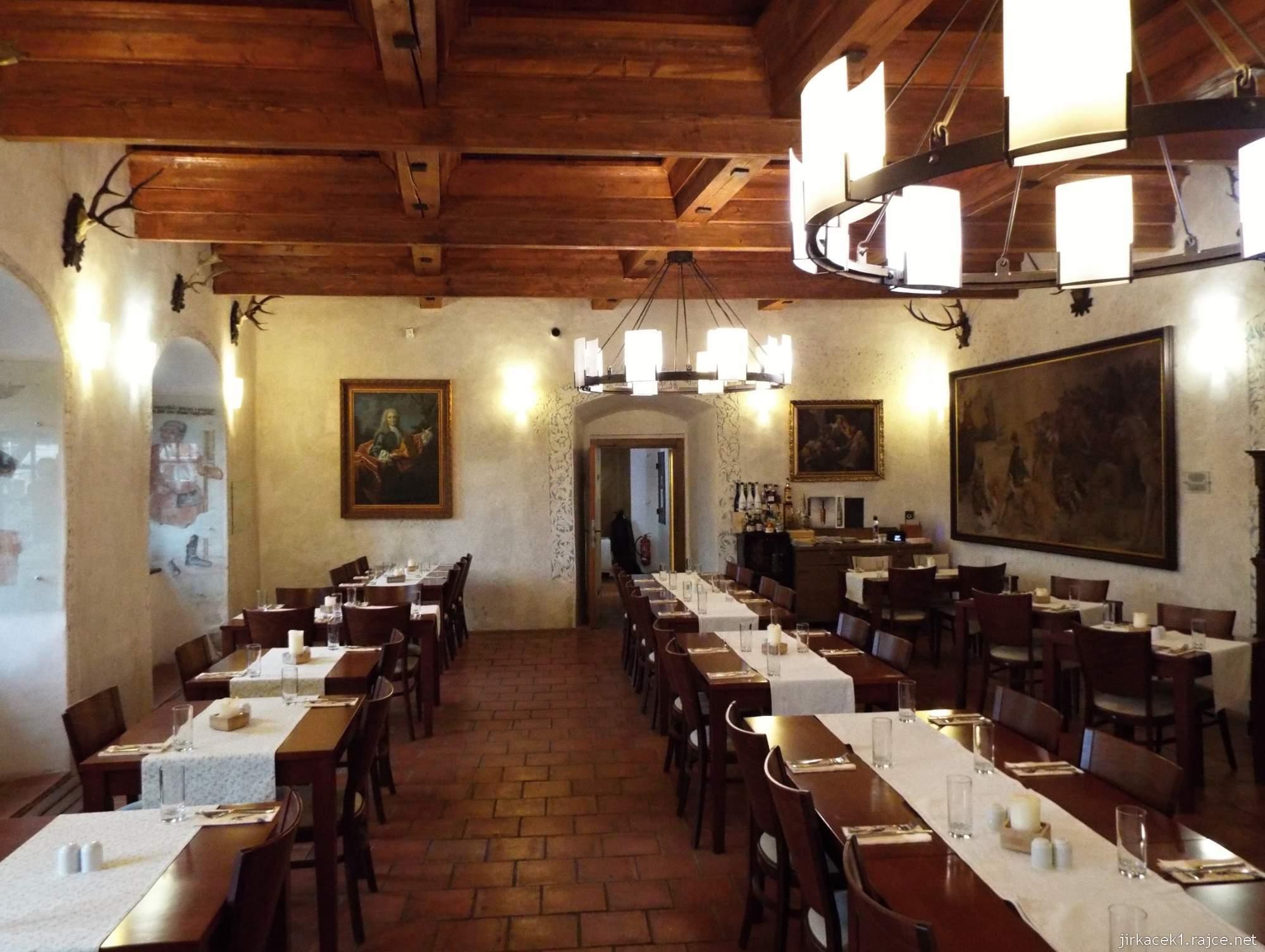 Letohrad - tvrz Orlice - interiér restaurace