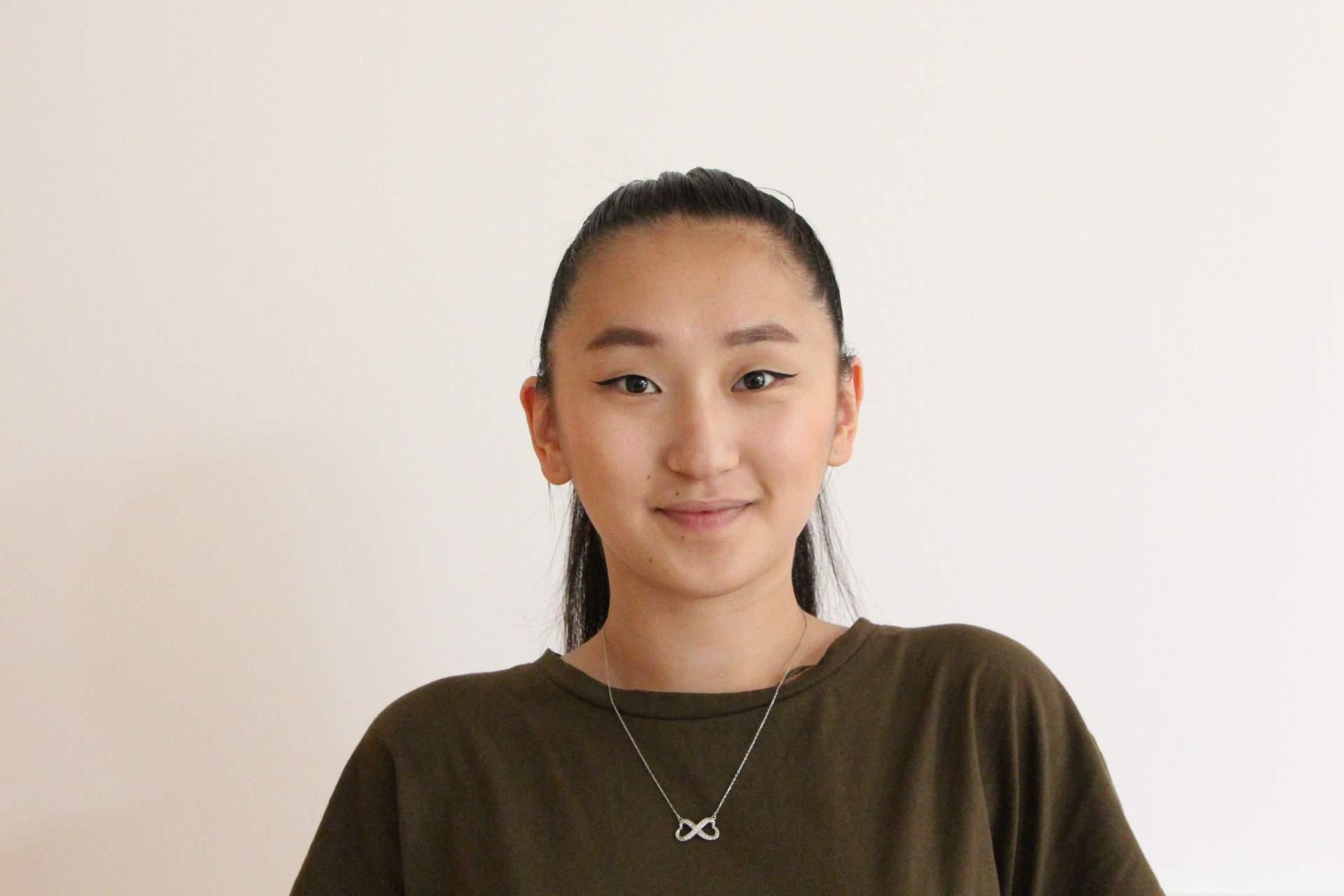 Yumjirmaa Ochirsuren se do České republiky přistěhovala s rodiči ještě jako malé dítě.