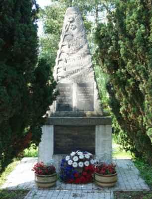 Památník padlým v 1. SV v Malých Čičovicích.