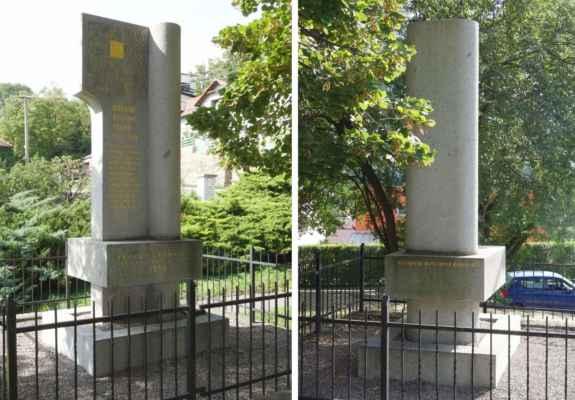 O kousek níž je mezi stromy ukrytý památník obětem 1. a 2. SV. Působí moderním dojmem, ale podle nápisu na zadní straně byl postaven Osvětovou komisí v roce 1939. Památník je věnovaný 12 místním občanům, kteří padli během 1. SV. V jeho spodní části je zmíněna také jedna oběť květnové revoluce z roku 1945.